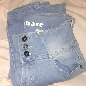 blue night waisted jeans .
